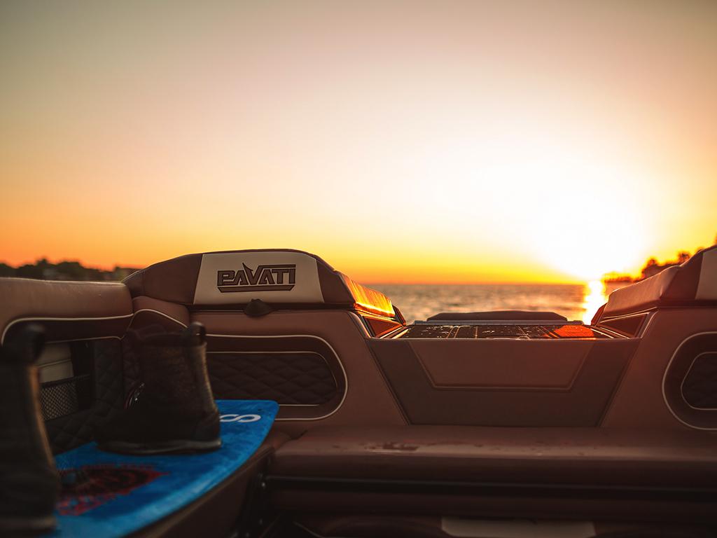 AL24-Wake-Surfing-Boat-Gallery-41